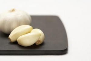 The benefits of cut/crushed garlic outnumber the health benefits of garlic cloves.